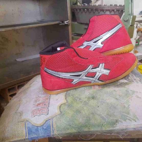 تولید وپخش انواع کفش ورزشی.و..