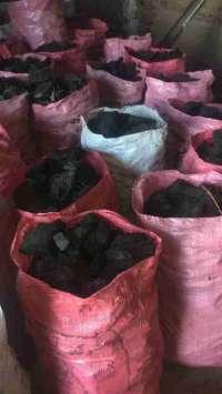 فروش انواع زغال (زغال پسته، زغال مرکبات، زغال بریکتی، زغال باربیکیو و ...)