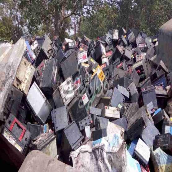 خرید انواع ضایعات باتری خودرویی و UPS