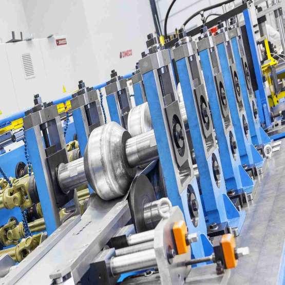 طراحی و ساخت ماشین آلات رول فرمینگ و دیگر صنایع