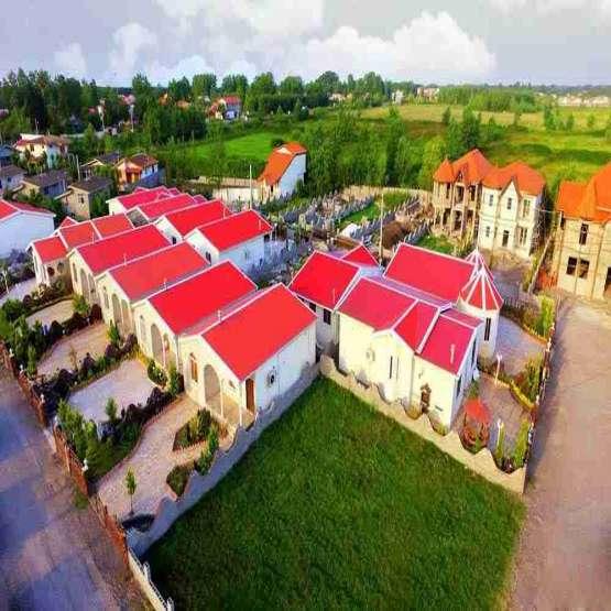 باغ ویلای شهرکی در موقعیت مناسب با اب و هوای عالی و دنج