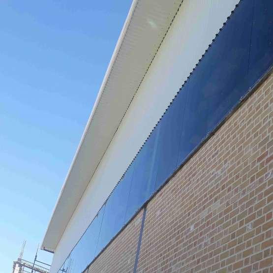 نصب و اجراء ورق ذوزنقه سقف و بدنه و زیر کوب بالکن سوله